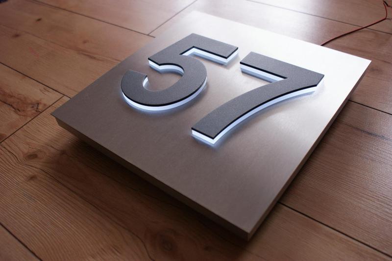 hausnummer berlin hausnummer. Black Bedroom Furniture Sets. Home Design Ideas